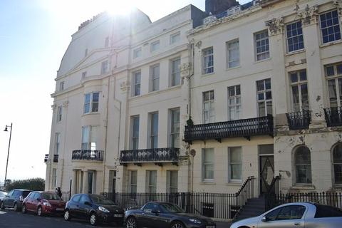 2 bedroom flat to rent - Portland Place, Brighton BN2 1DG
