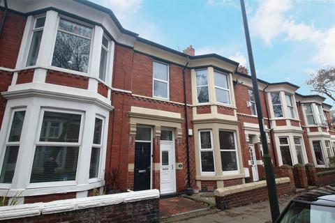 3 bedroom apartment - Queen Alexandra Road, North Shields