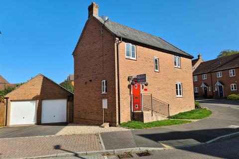 3 bedroom house for sale - Kestrel Close, Tiverton