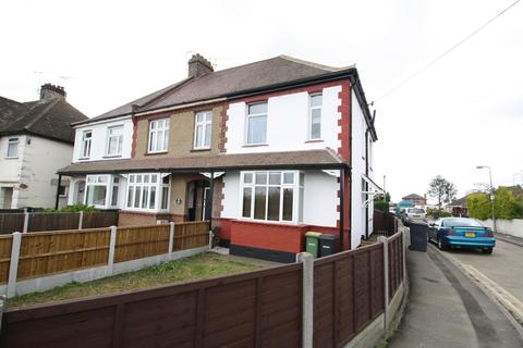 2 bedroom flat to rent - Sutton Road, Rochford
