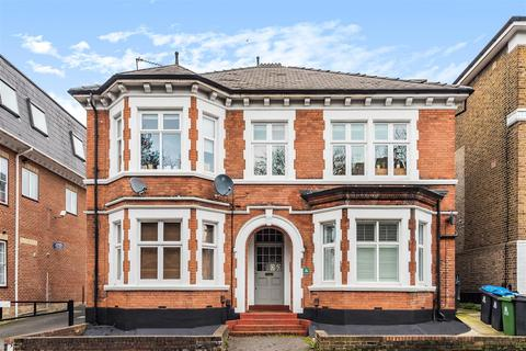 1 bedroom flat for sale - Surbiton Hill Road, Surbiton