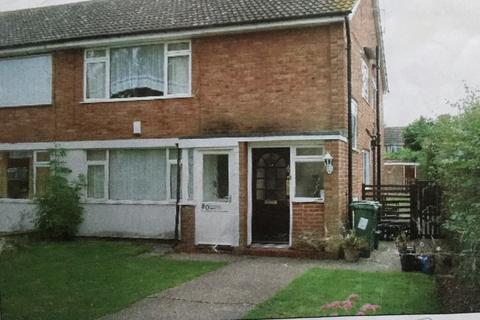 2 bedroom maisonette - Ingram Avenue, Aylesbury, HP21