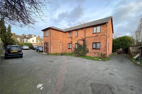 2 bedroom flat for sale - Lockhart Close, Enfield, EN3