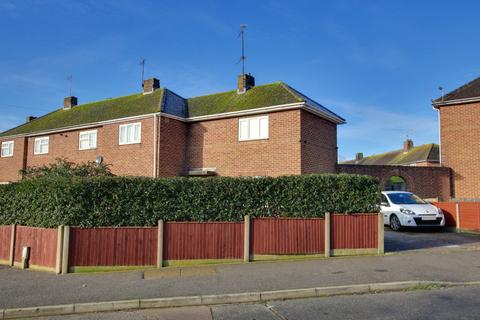 3 bedroom end of terrace house - Cotswold Road, Worthing, BN13