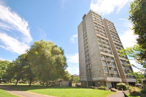 2 bedroom flat - Brandon Estate Walworth SE17