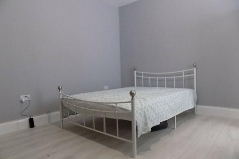 1 bedroom house share to rent - Biscot Road, Luton, Bedfordshire, LU3