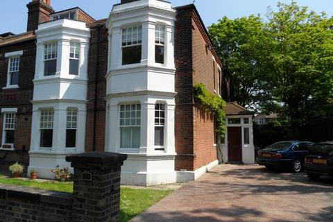 2 bedroom flat to rent - 155 Eglinton Hill, London, SE18