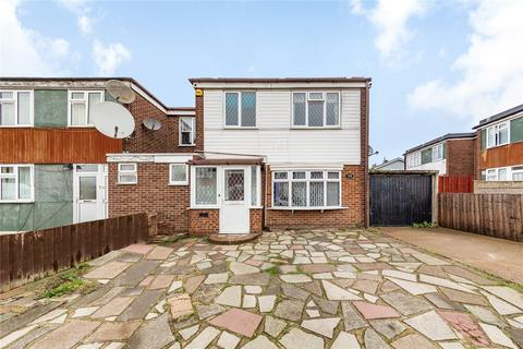 4 bedroom end of terrace house for sale - Wellington Drive, Dagenham, RM10