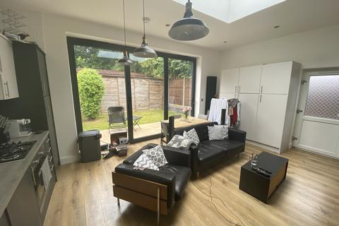 2 bedroom maisonette - Spencer Road, South Croydon, CR2 7EL