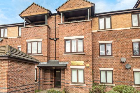 1 bedroom flat to rent - Ravensbourne Mansions Berthon Street London SE8