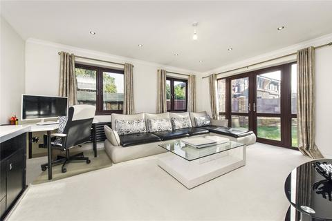 2 bedroom semi-detached house to rent - Friars Mead, London