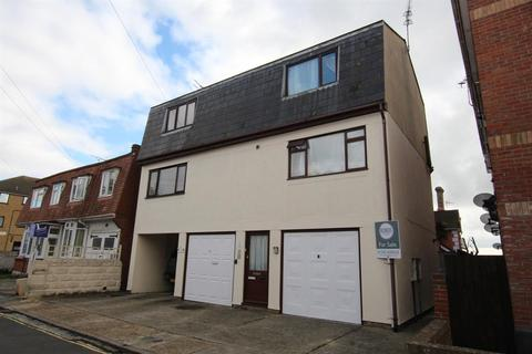 1 Bed Flats For Sale In Clacton On Sea Buy Latest Apartments Onthemarket