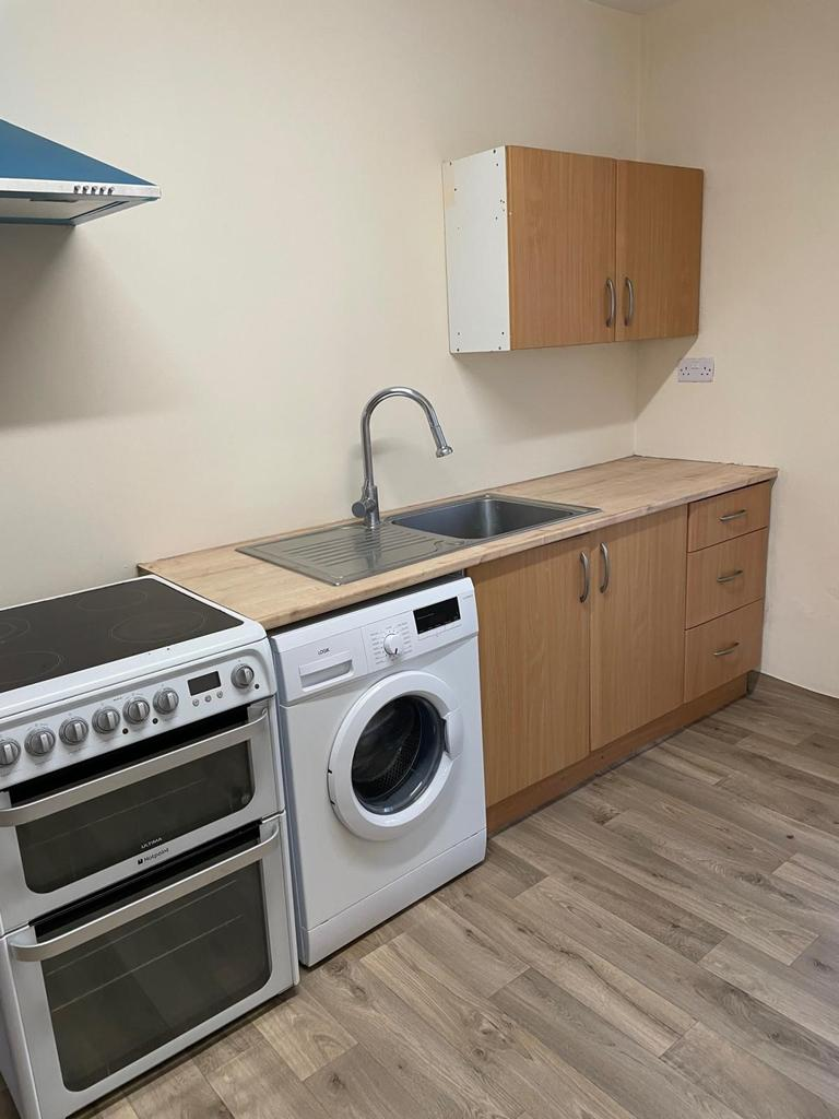 2/3 Bedroom House, Leagrave Area of Luton
