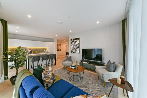 4 bedroom apartment - 09C.02.15 Compass House, Royal Wharf, E16