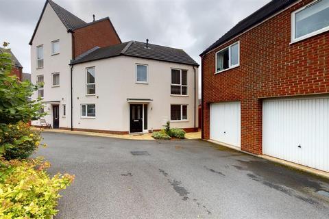 3 bedroom semi-detached house for sale - Matilda Grove, Milehouse, Newcastle-under-Lyme, ST5