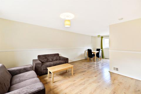 3 bedroom house to rent - 3 bedroom property in St James Place