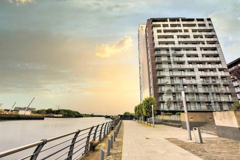 1 bedroom flat for sale - Meadowside Quay Walk, Flat 11/6, Glasgow Harbour, Glasgow, G11 6EE