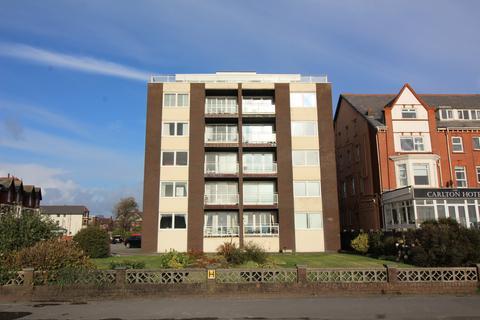 2 bedroom apartment to rent - Hilton Court, 59 South Promenade, Lytham St. Annes, Lancashire, FY8