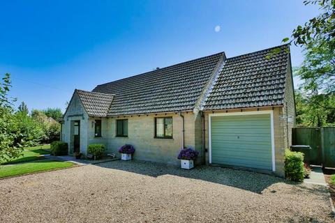 3 bedroom detached house to rent - The Street, OAKSEY