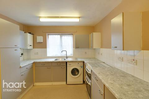 3 bedroom terraced house for sale - Corporation Street, London