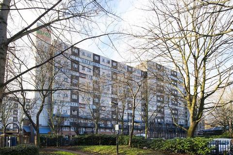 2 bedroom flat for sale - Strasburg Road, Battersea SW11
