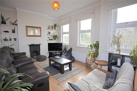 3 bedroom apartment to rent - Buckingham Road, Wood Green, London, N22