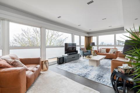 3 bedroom penthouse for sale - Woodford Road, South Woodford