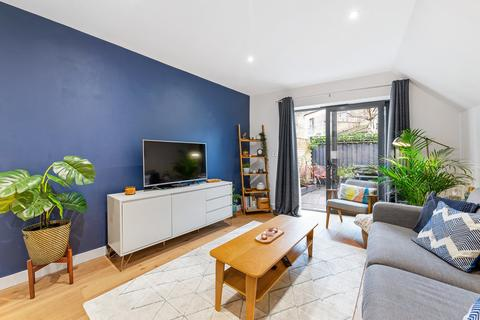 2 bedroom apartment for sale - Church Path, Crouch End N8