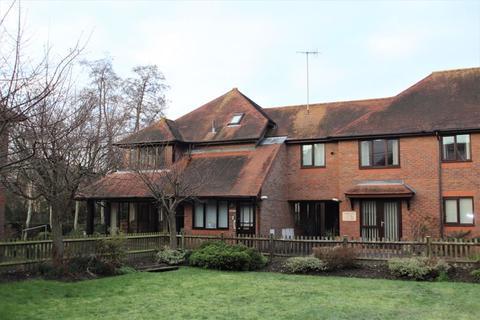 2 bedroom apartment - Lyons Crescent, Tonbridge