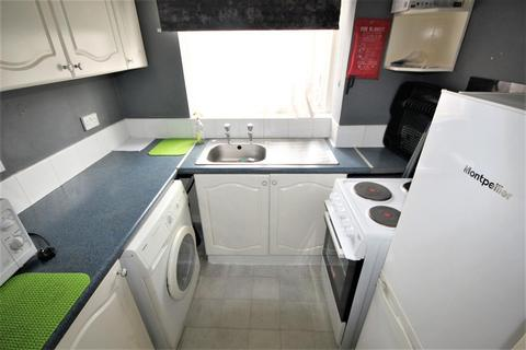 1 bedroom flat - Linnet Close, London