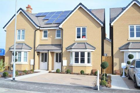 3 bedroom semi-detached house to rent - Sassoon Drive, ROYSTON, SG8