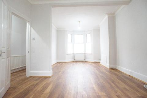 4 bedroom terraced house to rent - Uckfield Road, Enfield