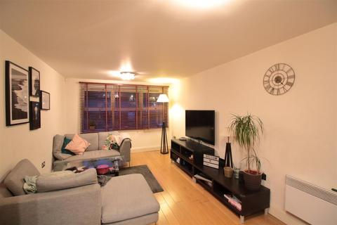2 bedroom apartment - Ferndale Road, Brixton/Clapham
