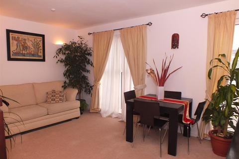 1 bedroom flat to rent - Bromyard Avenue, Acton, W3 7BF