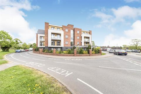 1 bedroom apartment for sale - Landmark Place,Moorfield Road, North Orbital Road, Denham, Uxbridge, Middlesex, UB9 5BY