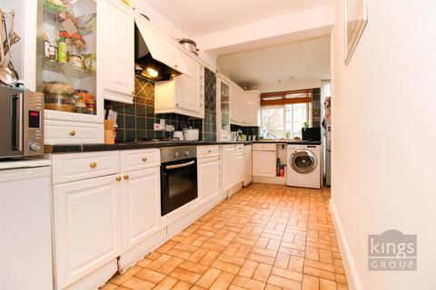 3 bedroom terraced house for sale - Dowsett Road, London