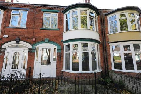 3 bedroom terraced house to rent - Desmond Avenue, Hull