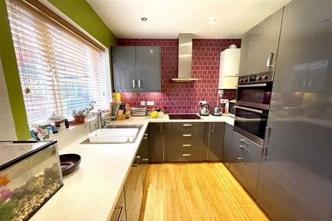 3 bedroom end of terrace house for sale - Pegwell Street, Plumstead, London, SE18