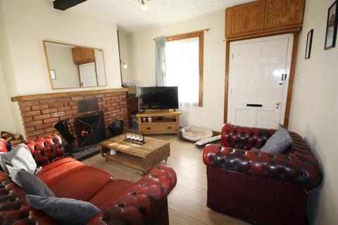 2 bedroom terraced house - Ashfield Terrace, Llanymynech