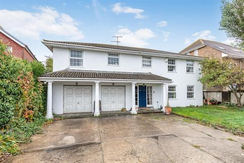 4 bedroom detached house to rent - Brighton Road, Lancing