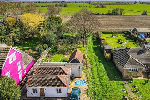2 bedroom detached bungalow for sale - South Street, Tillingham, Southminster