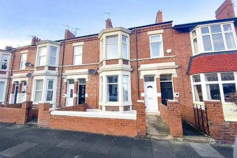 2 bedroom flat - Bamborough Terrace, North Shields