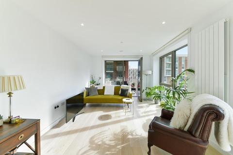2 bedroom apartment for sale - Pendant Court, Royal Wharf, London, E16