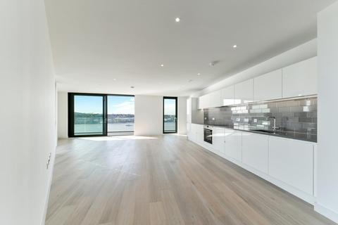 3 bedroom apartment - Summerston House, Royal Wharf, London E16