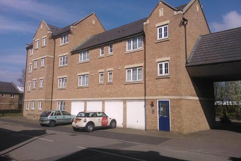 2 bedroom apartment to rent - Bramley Court, Luton Road, Dunstable LU5