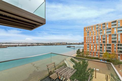 3 bedroom apartment for sale - Kelson House, Royal Wharf, London, E16
