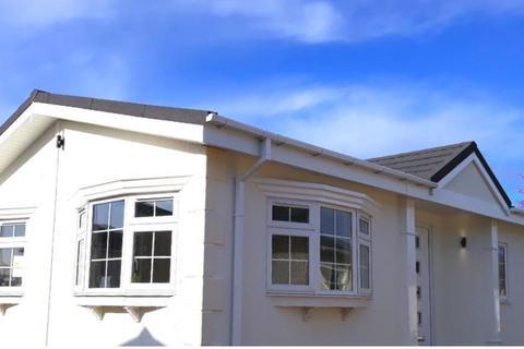 2 bedroom park home for sale - Residential Park Home, Ashford, Kent