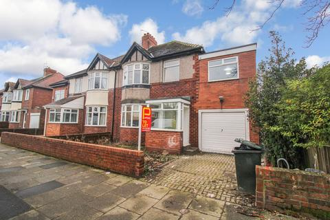 5 bedroom semi-detached house to rent - Broadway East, Gosforth, Newcastle upon Tyne, Tyne and Wear, NE3 5JQ