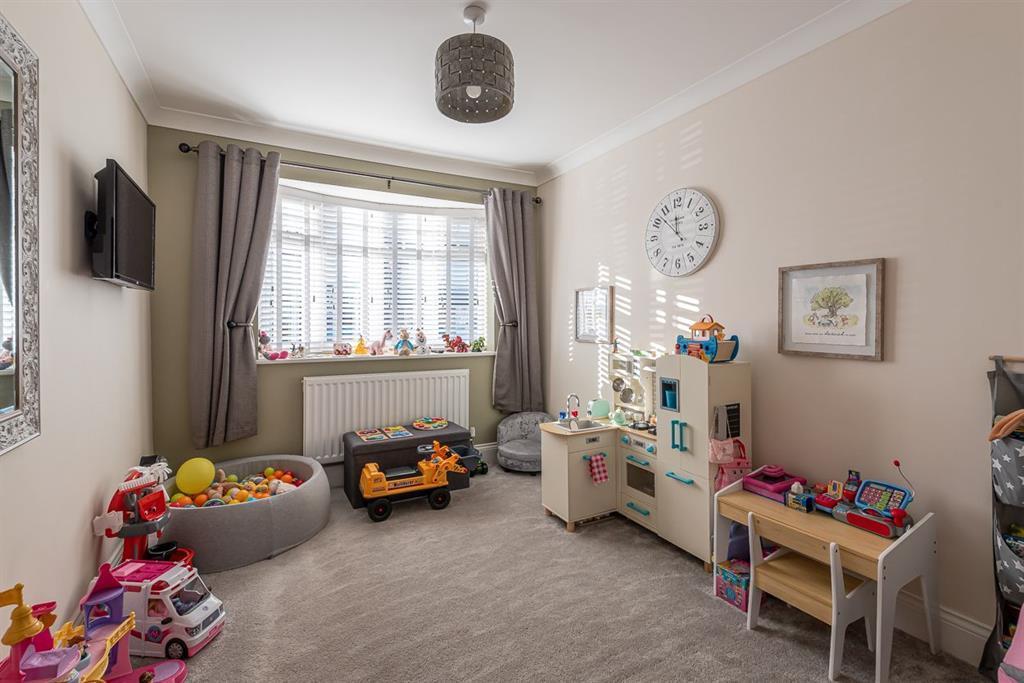 Study/ potential ground floor bedroom