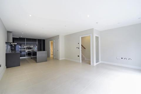 5 bedroom terraced house to rent - Stowe Road London W12